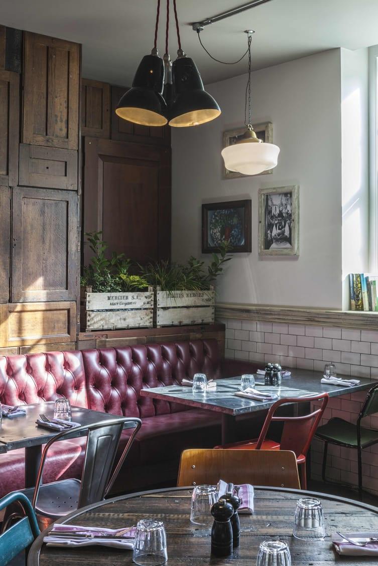 Un restaurant à l'ambiance conviviale (2)