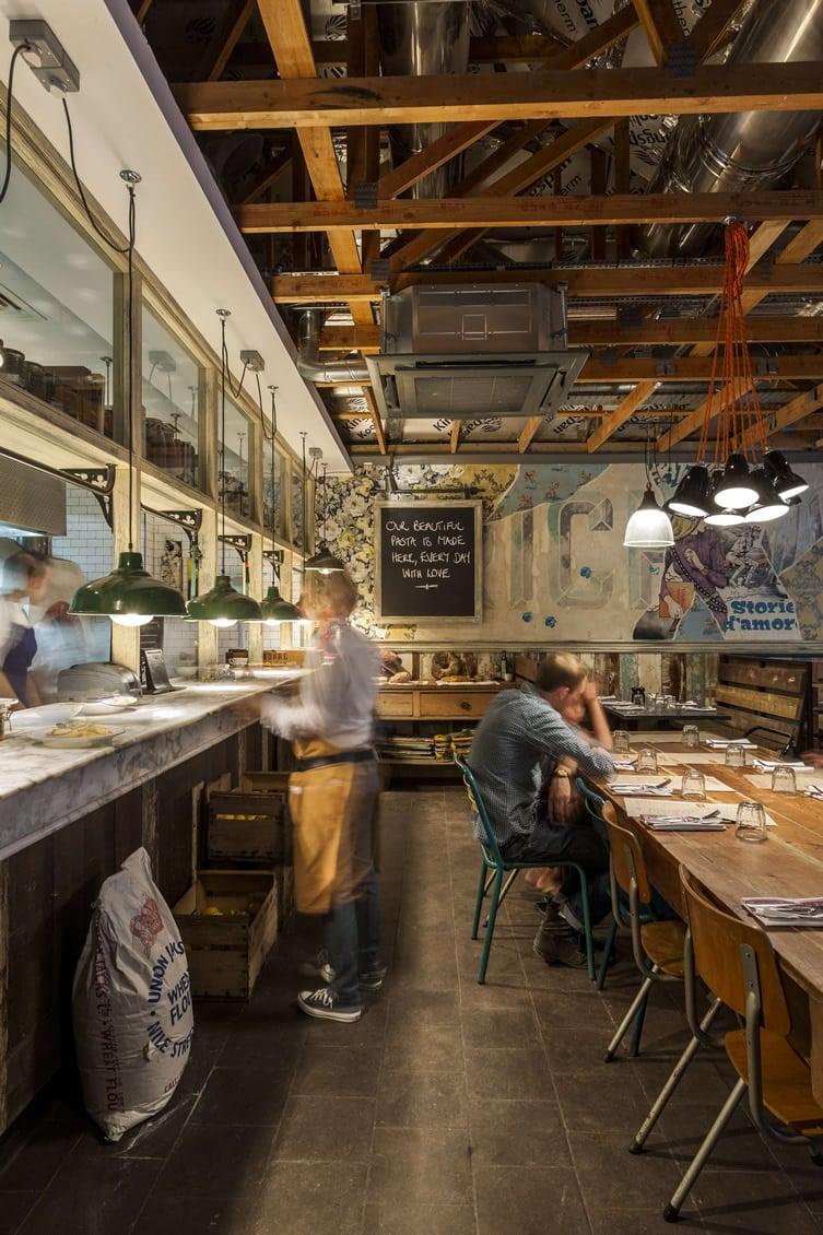 Un restaurant à l'ambiance conviviale (3)