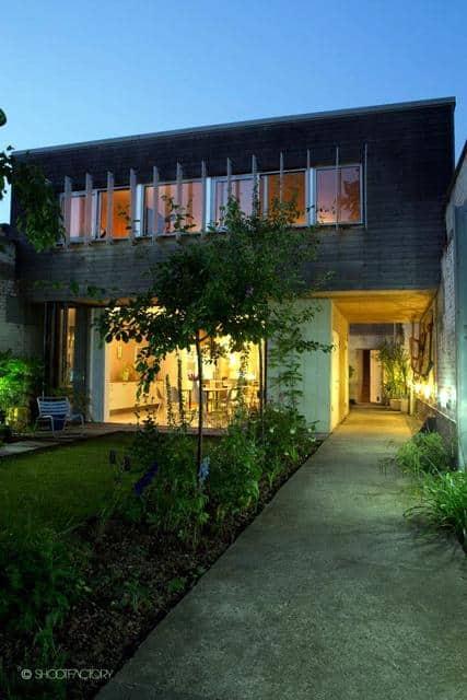 Un ancien entrepôt converti en maison moderne (2)
