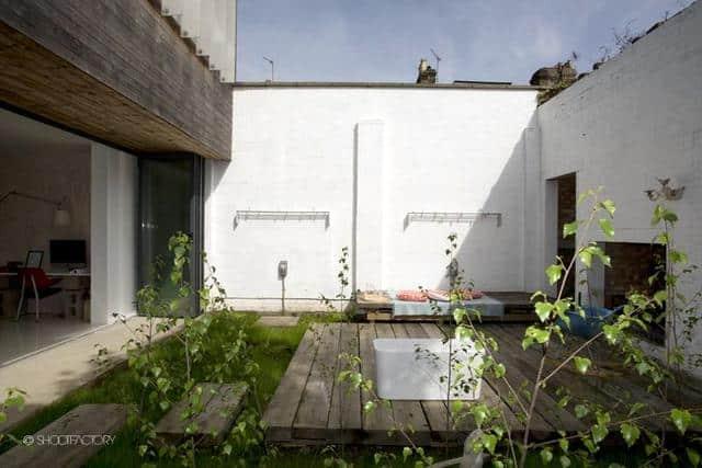 Un ancien entrepôt converti en maison moderne (3)