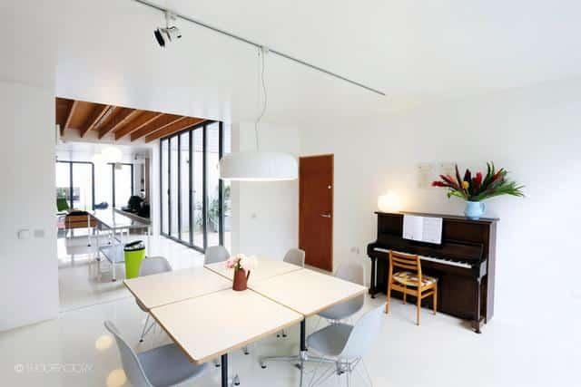 Un ancien entrepôt converti en maison moderne (5)