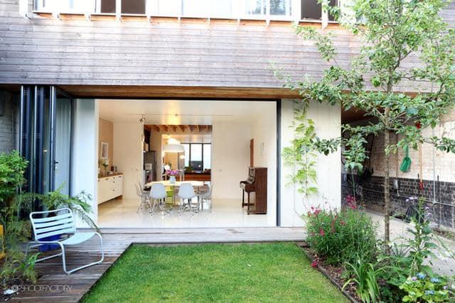 Un ancien entrepôt converti en maison moderne (7)