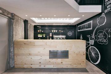 deco-cafe-noir-et-bois-1