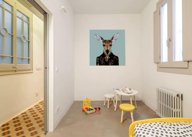 Barcelone un appartement rénové avec des panneaux coulissants (11)