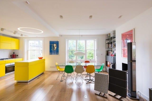 un int rieur color. Black Bedroom Furniture Sets. Home Design Ideas