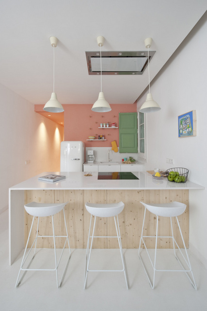 Un appartement coloré au coeur de Bareclone (10)