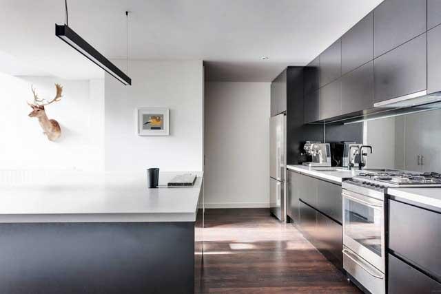 Spacieux loft gris et bois à Melbourne (4)