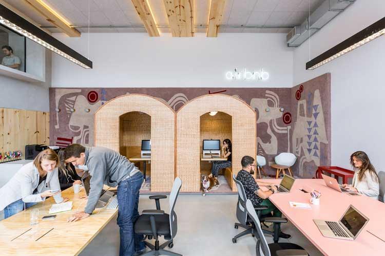 bureaux colores airbnb