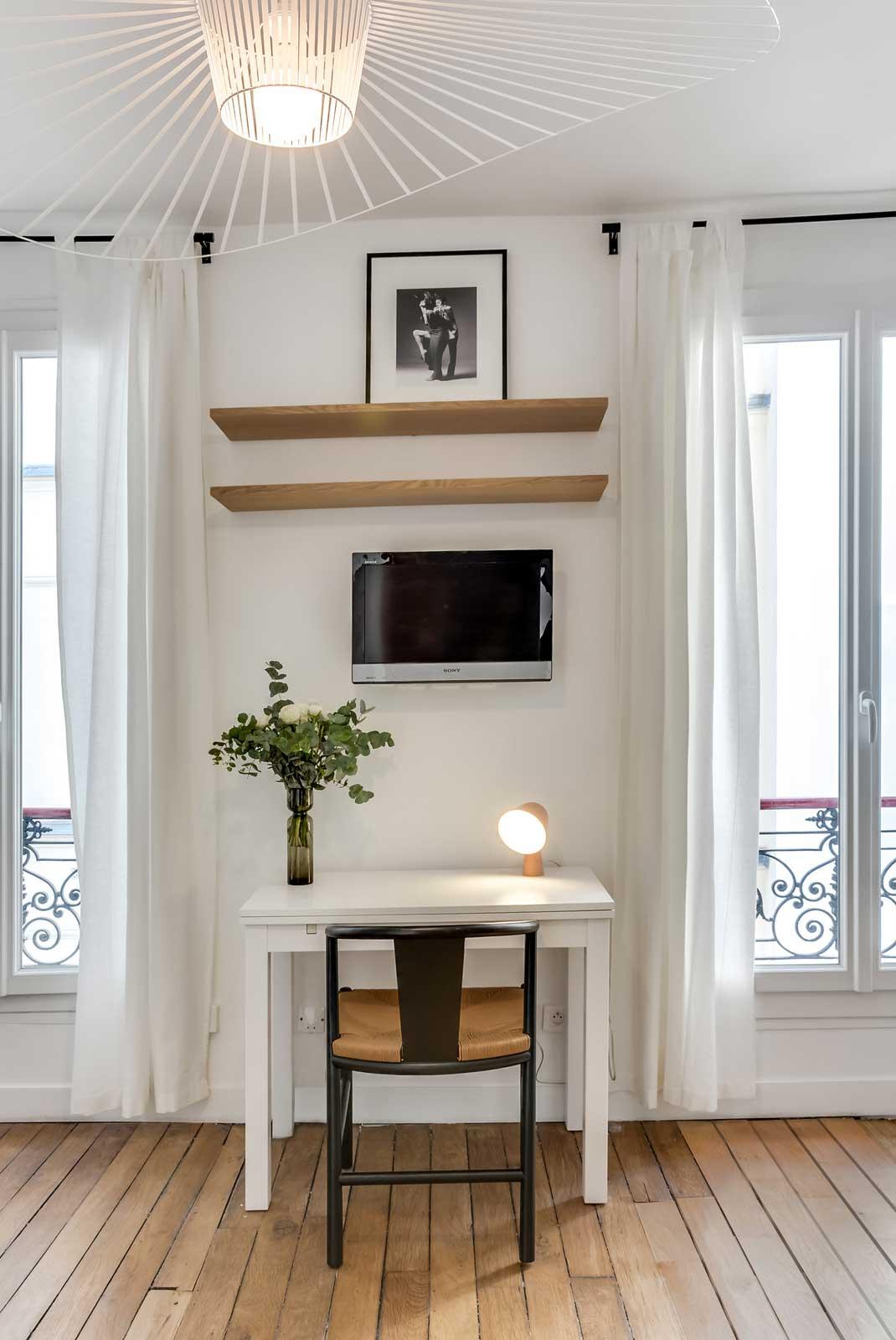 comment cr er une chambre dans un studio sans avoir recours un mur. Black Bedroom Furniture Sets. Home Design Ideas