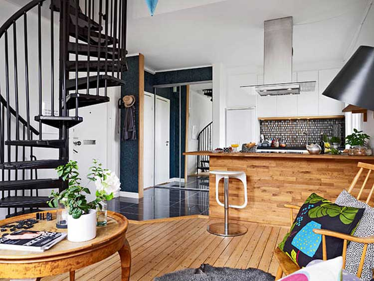 escalier colimacon noir