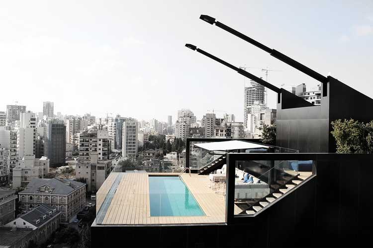piscine sur toit d une maison