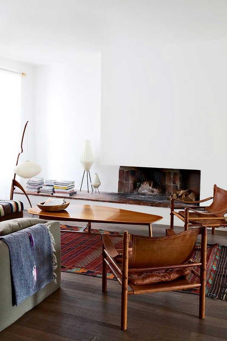 mobilier retro dans sejour avec cheminee