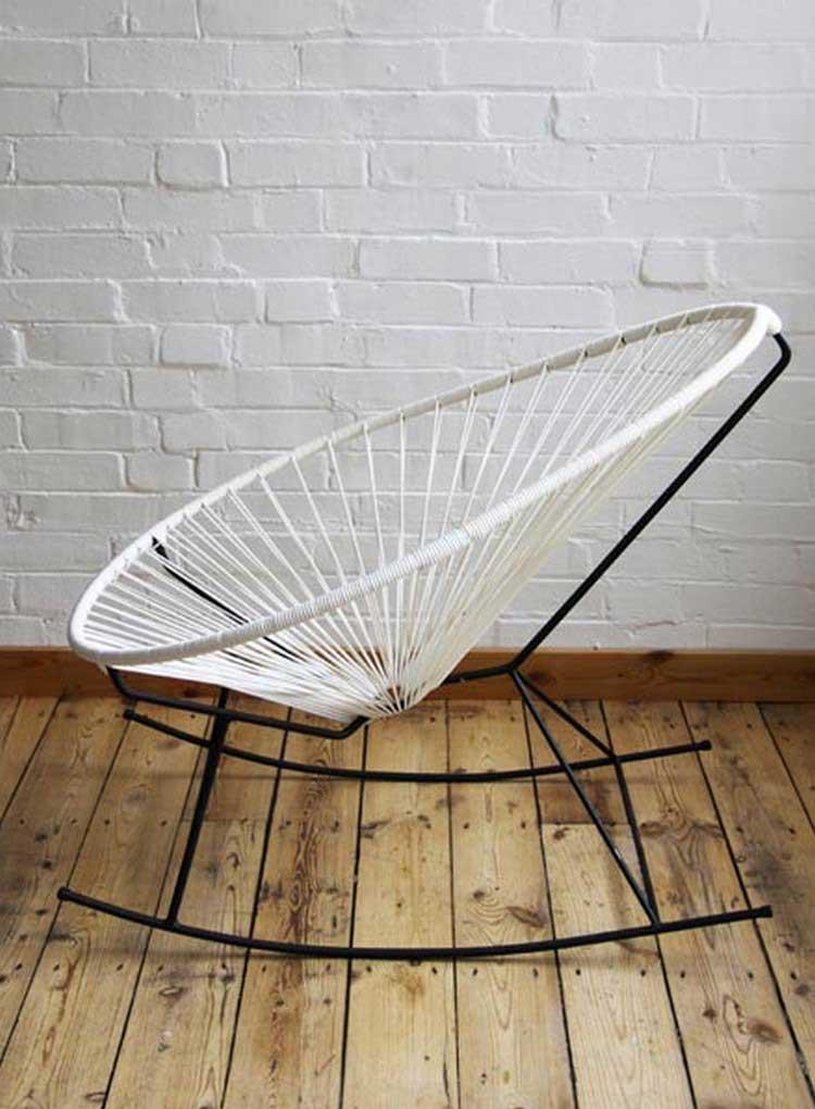 Fauteuil acapulco tout savoir sur cette chaise mexicaine for Chaise qui se balance