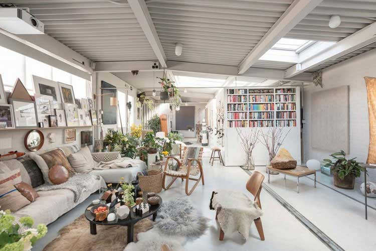 comment am nager un entrep t en loft. Black Bedroom Furniture Sets. Home Design Ideas