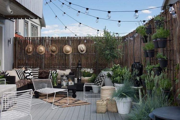 11 luminaires design pour l 39 clairage de votre terrasse ou - Guirlande eclairage exterieur ...