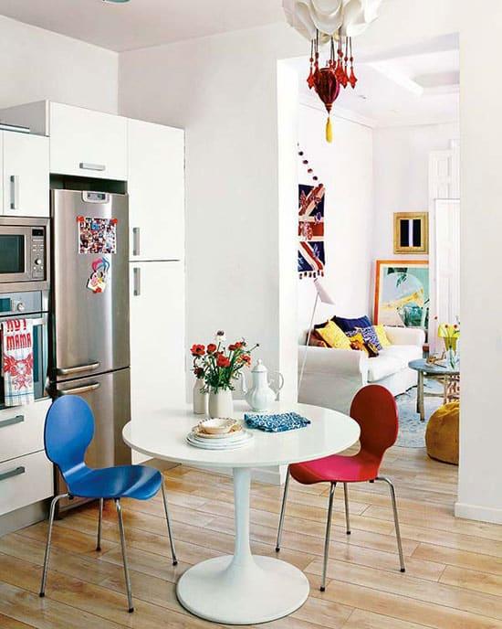 appartement avec déco colorée