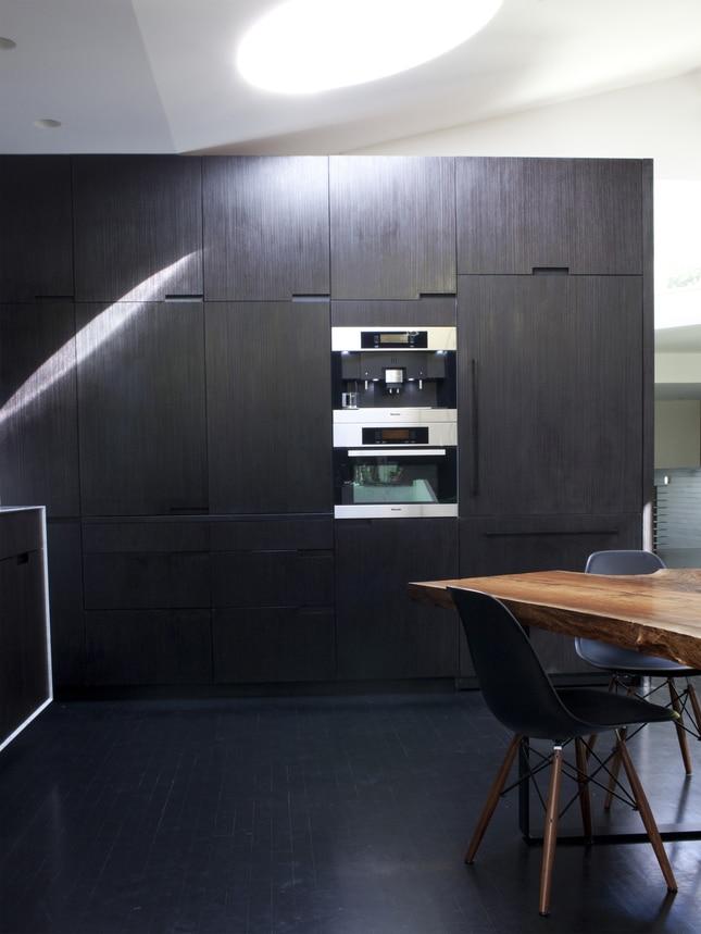 une cuisine noir