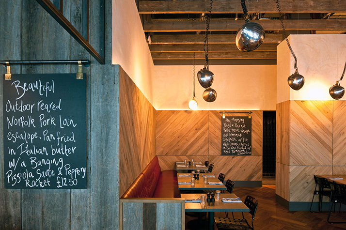 Un restaurant au look industriel