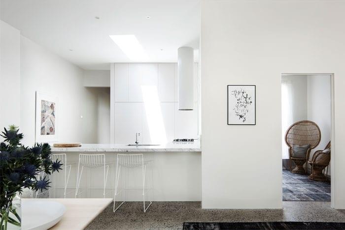 un int rieur blanc comme neige. Black Bedroom Furniture Sets. Home Design Ideas