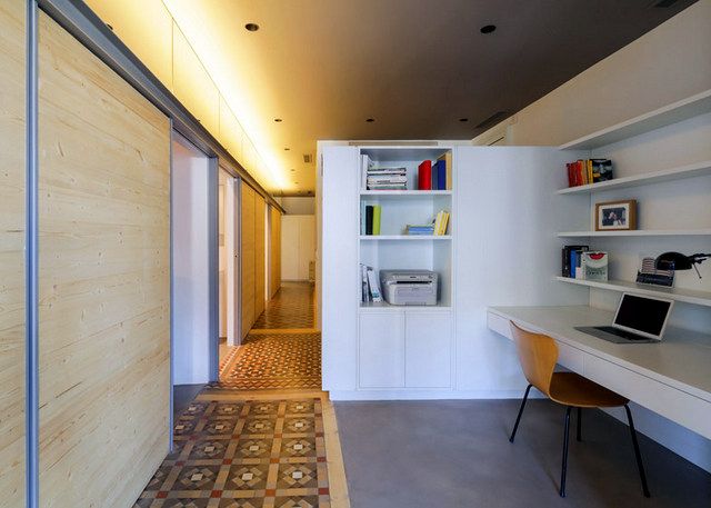 Barcelone un appartement rénové avec des panneaux coulissants (7)