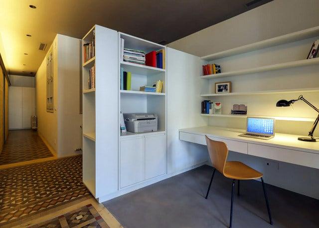 Barcelone un appartement rénové avec des panneaux coulissants (8)
