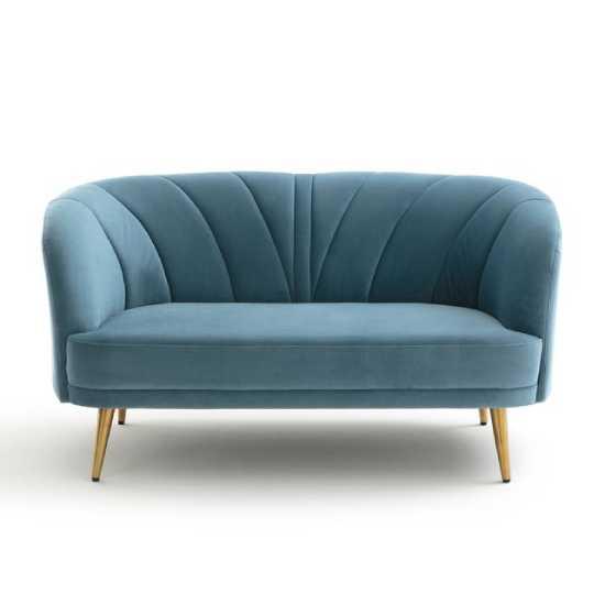 Un canapé bleu canard pour une note singulière dans son salon