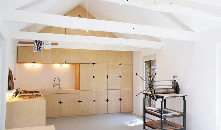 un atelier d 39 artiste dissimul. Black Bedroom Furniture Sets. Home Design Ideas