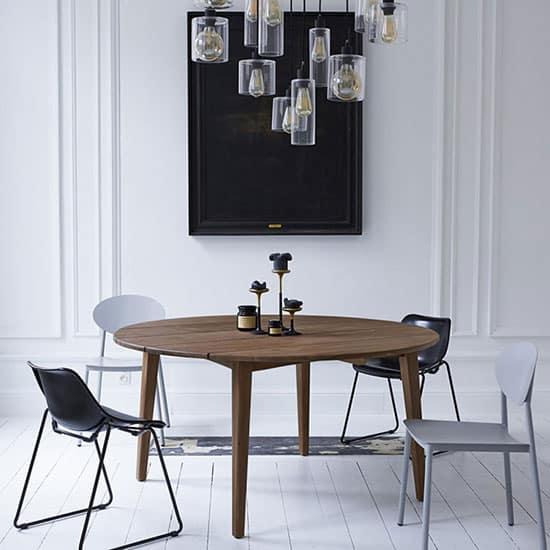 Table ronde style scandinave en teck