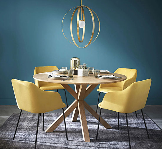 Table ronde scandinave en chêne