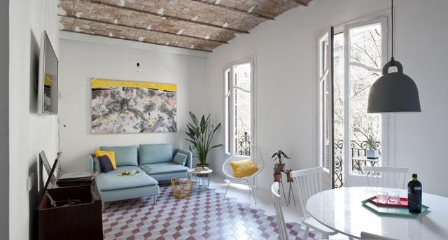 Un appartement coloré au coeur de Bareclone (2)