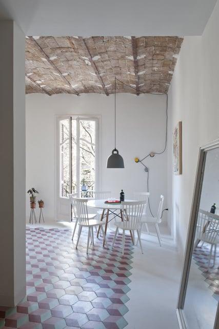 Un appartement coloré au coeur de Bareclone (3)