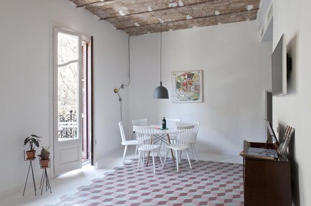 Un appartement coloré au coeur de Bareclone (6)