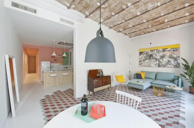 Un appartement coloré au coeur de Bareclone (8)