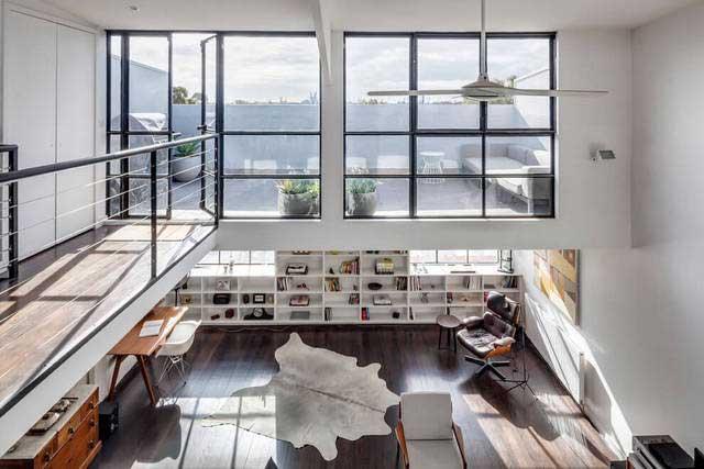 spacieux loft gris et bois melbourne. Black Bedroom Furniture Sets. Home Design Ideas