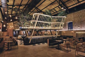 Restaurant au design industriel (1)