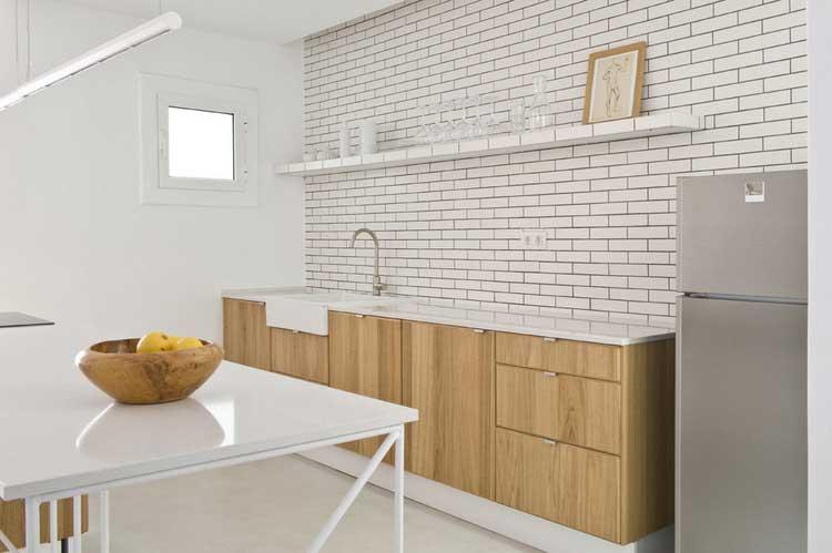 mur de briques blanches cuisine