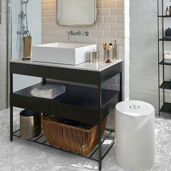 Meuble vasque industriel avec marbre