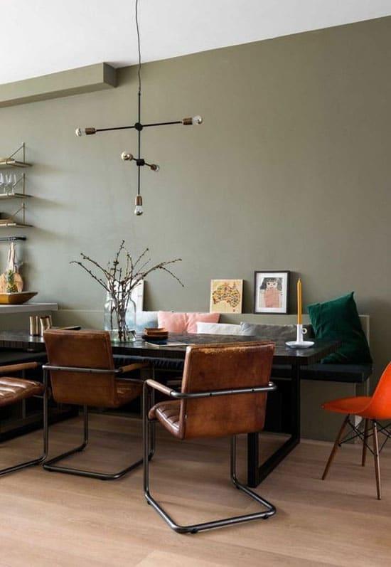 Salon vert et marron