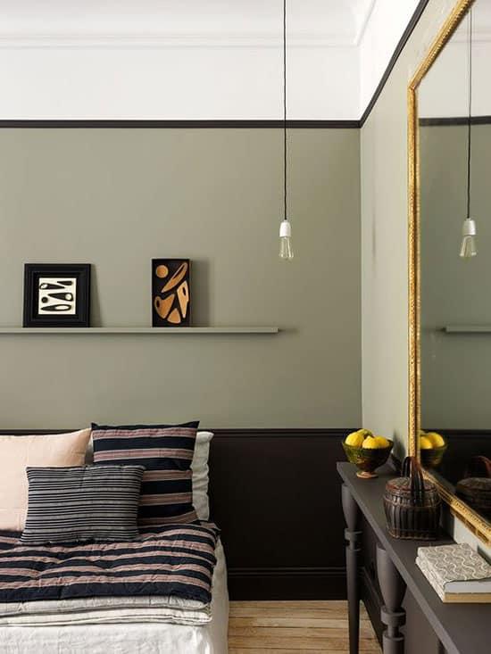 Chambre au mur kaki