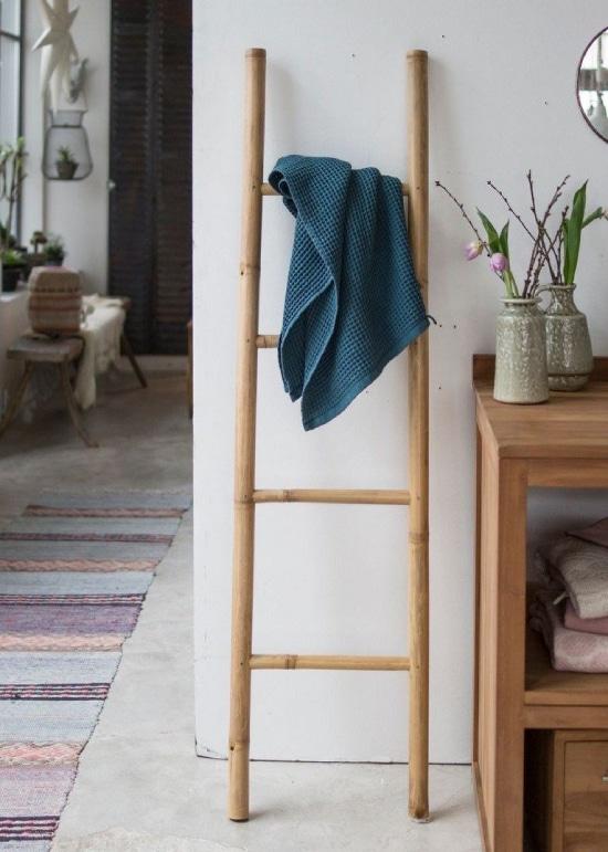 Comment décorer une échelle en bois