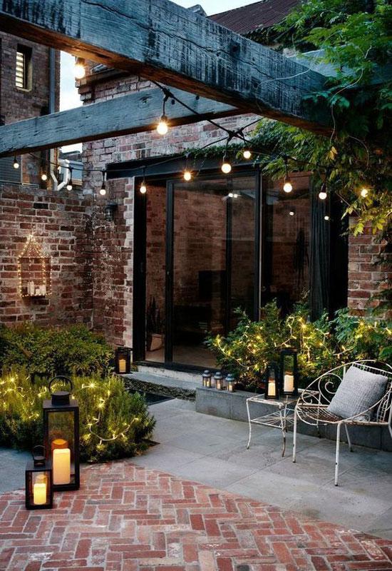 guirlande lumineuse blanche pour un belle éclairage de terrasse