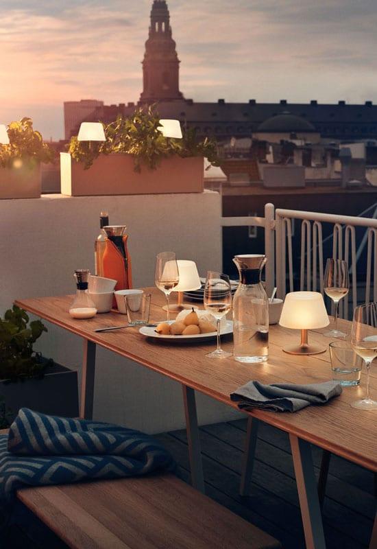 lampes à poser pour un éclairage de terrasse intimiste