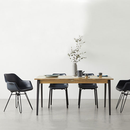 Table style industriel avec rallonges minimaliste