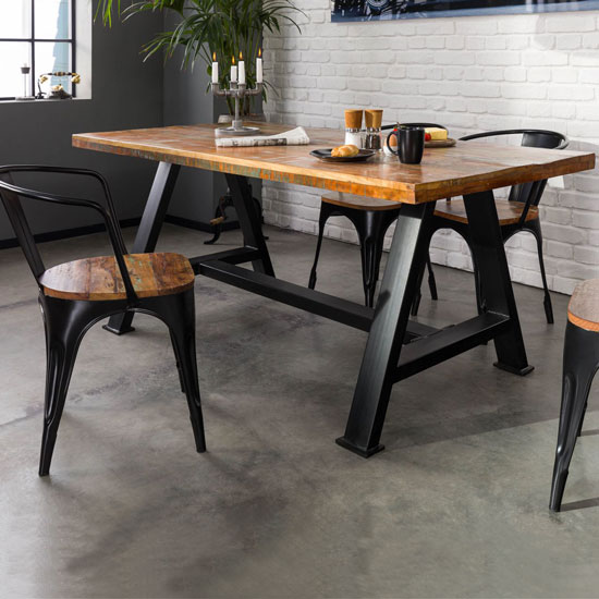 Table longueur 160 cm en bois recyclé