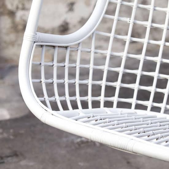 fauteuil suspendu en rotin blanc