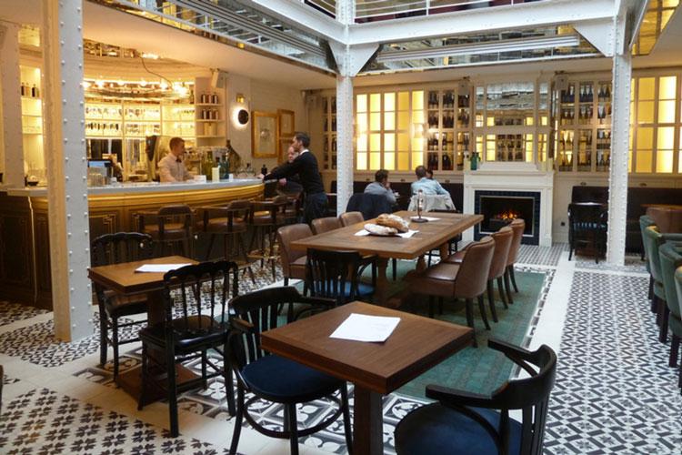 beau restaurant paris Les Chouettes