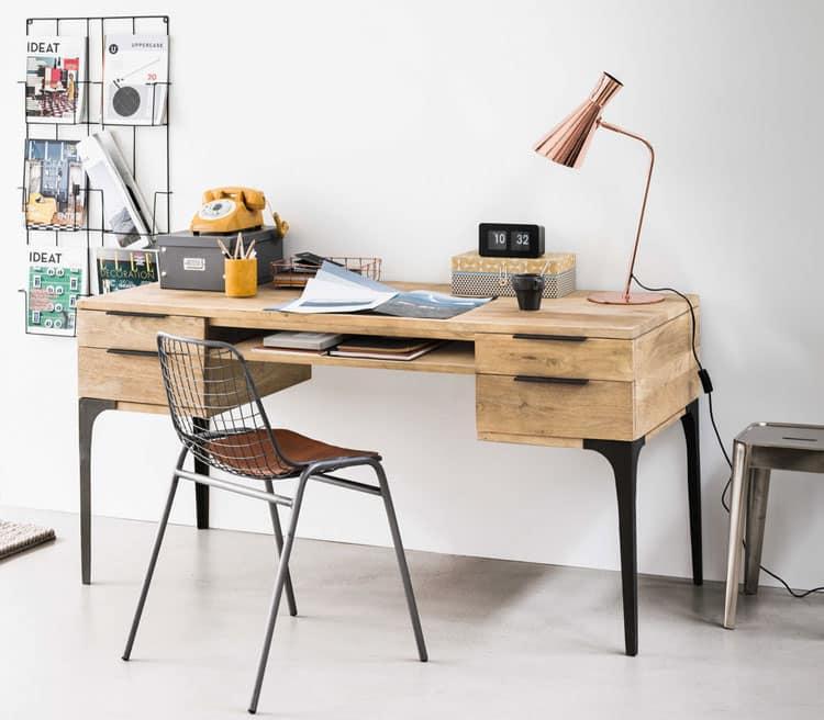 quelle lampe de bureau choisir pour clairer son espace de travail. Black Bedroom Furniture Sets. Home Design Ideas
