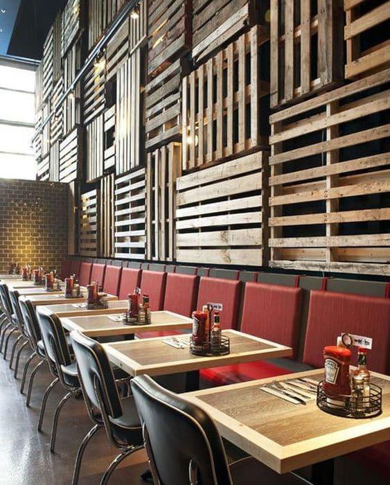 mur en bois de palette
