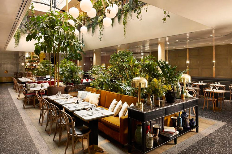 beau restaurant paris Alcazar