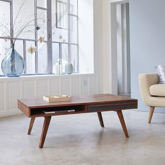 Table basse scandinave avec rangements